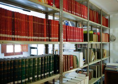 Acequia-Real-Jucar-Biblioteca-estanterias-2
