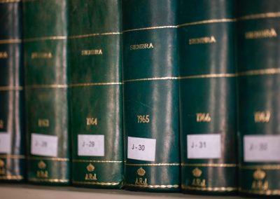 Acequia-Real-Jucar-Biblioteca-estanterias-libros-1
