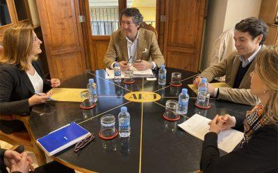 María José Catalá es reuneix amb representants de Séquia Real del Xúquer per a abordar la situació de l'Albufera.